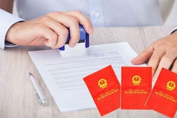 Điều kiện cấp Sổ đỏ đứng tên hộ gia đình 2021